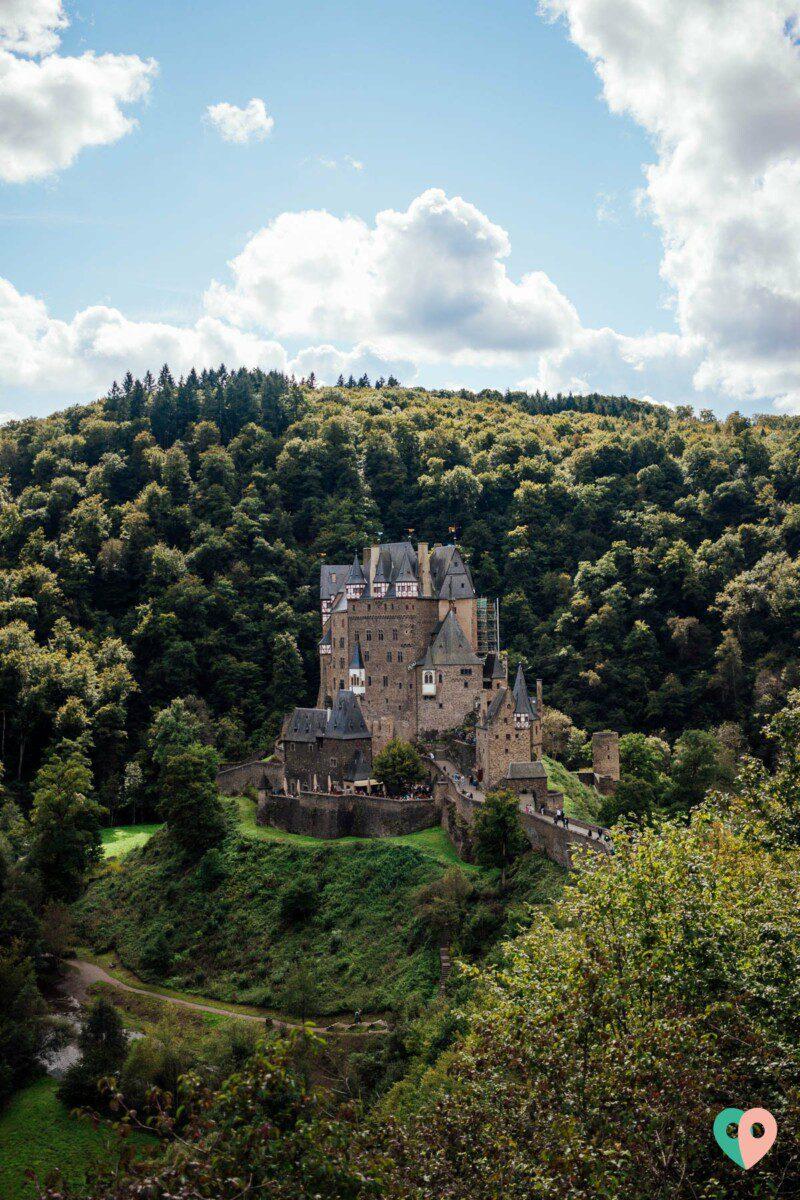 Wandern an der Burg Eltz: der Traumpfad Eltzer Burgpanorama